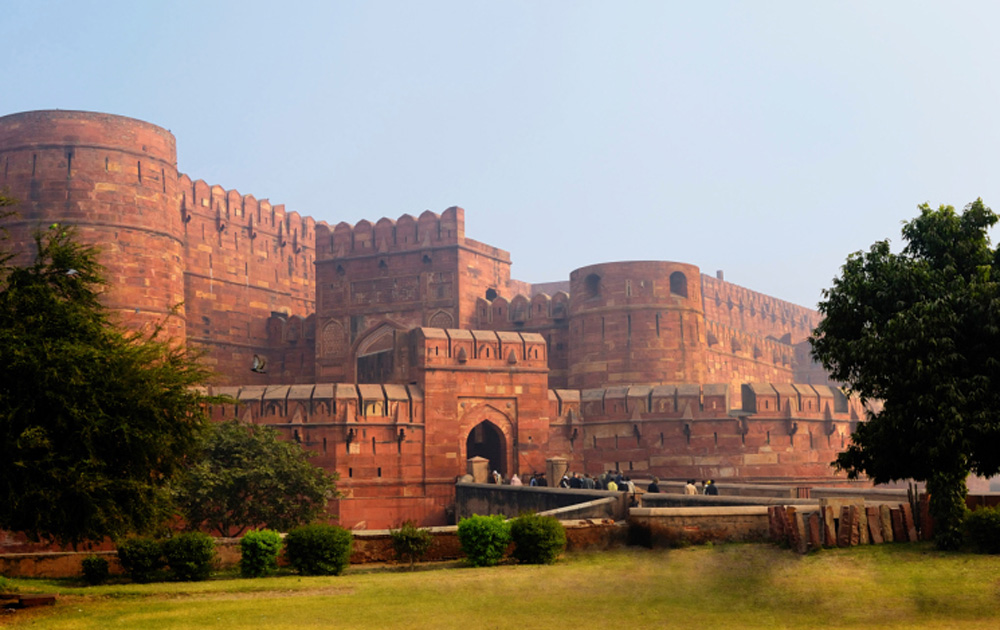 agra fort famous fort in india