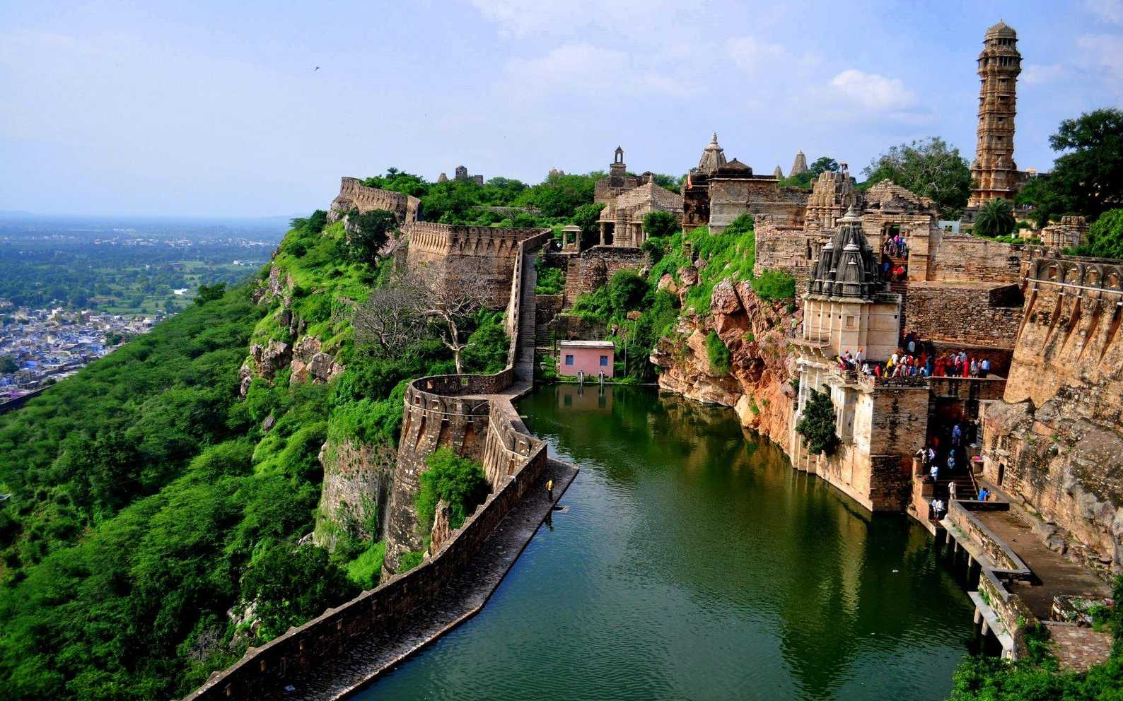 chittorgarh fort famous fort in india
