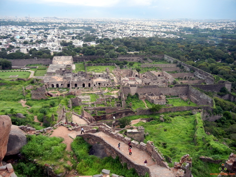 golconda fort famous fort in india