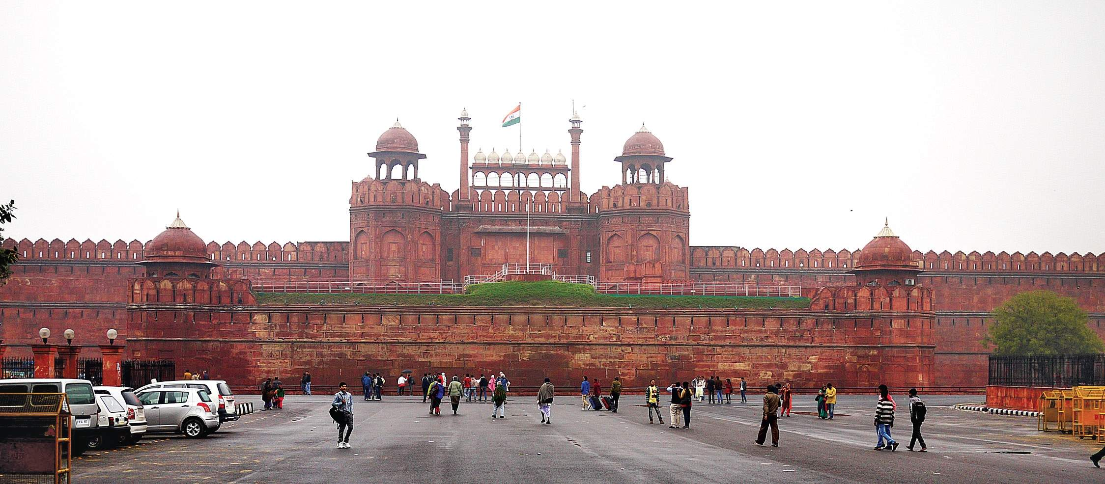 red fort famous fort in india