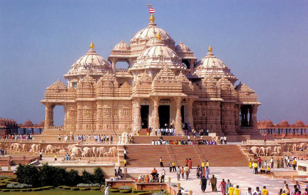 akshardham temple famous hindu temple in india