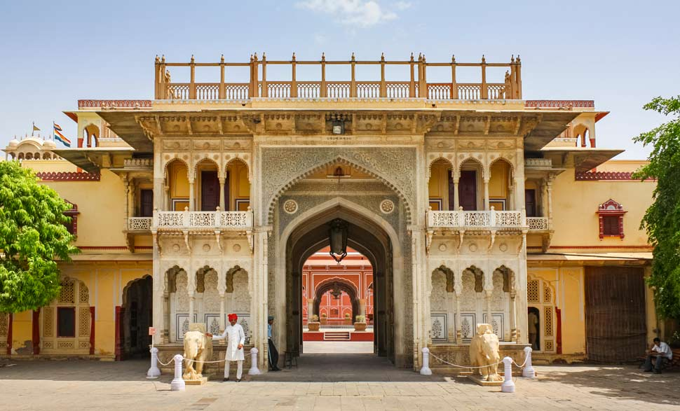 city palace famous historical places in rajasthan