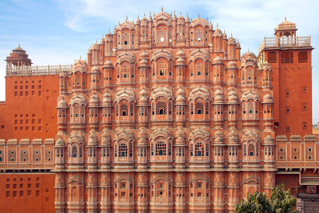 hawa mahal famous historical places in rajasthan