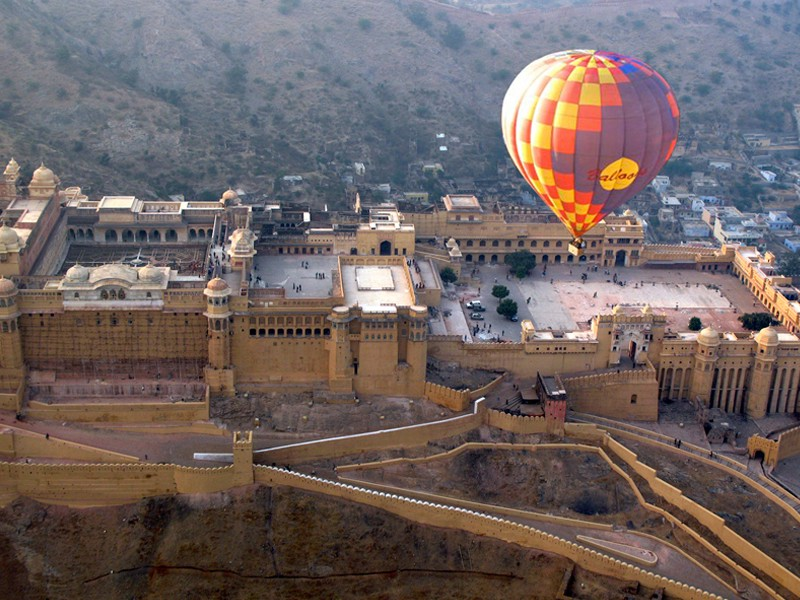 hot air ballooning activities besides exploring the splendid forts and palaces