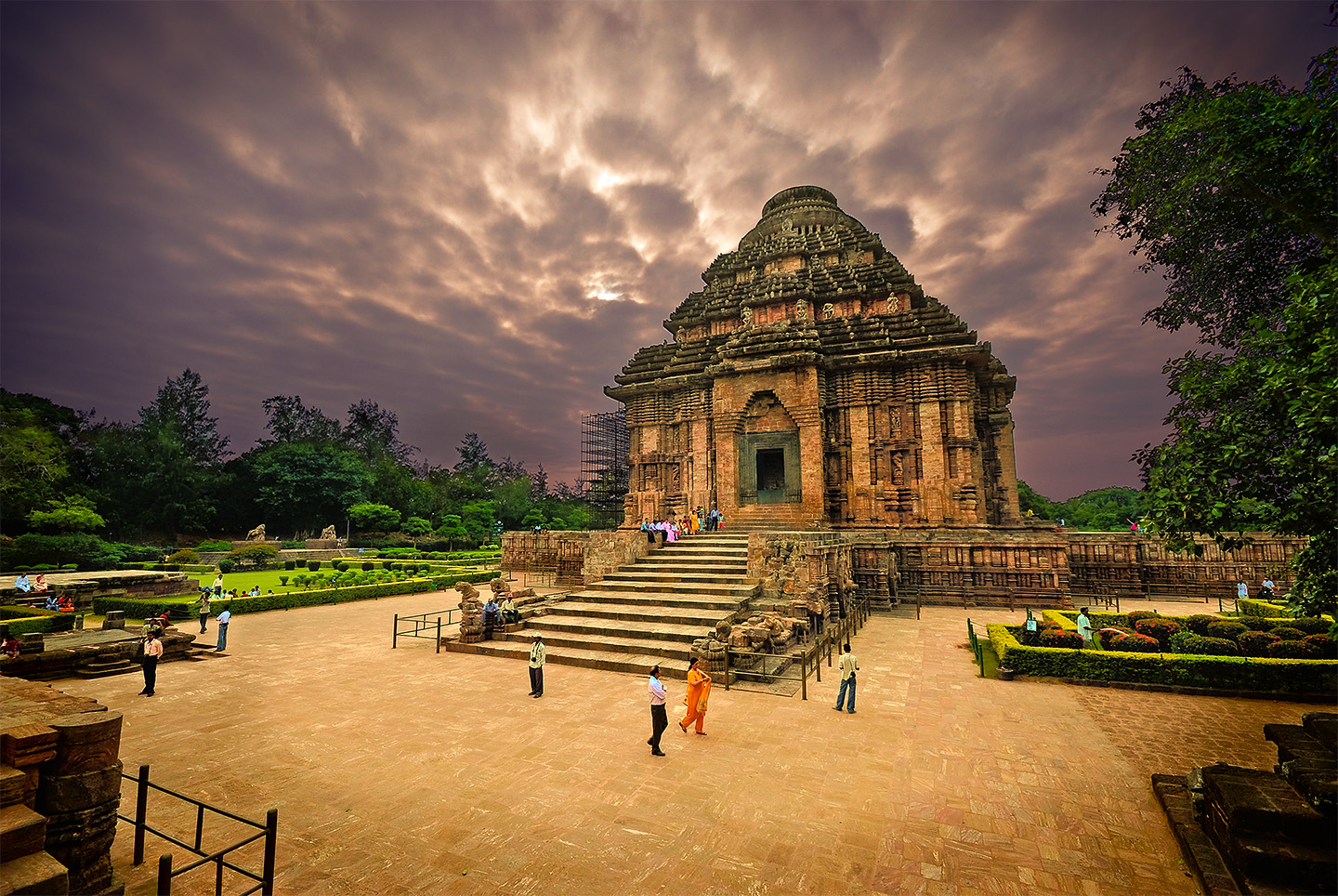 konark sun temple famous hindu temple in india