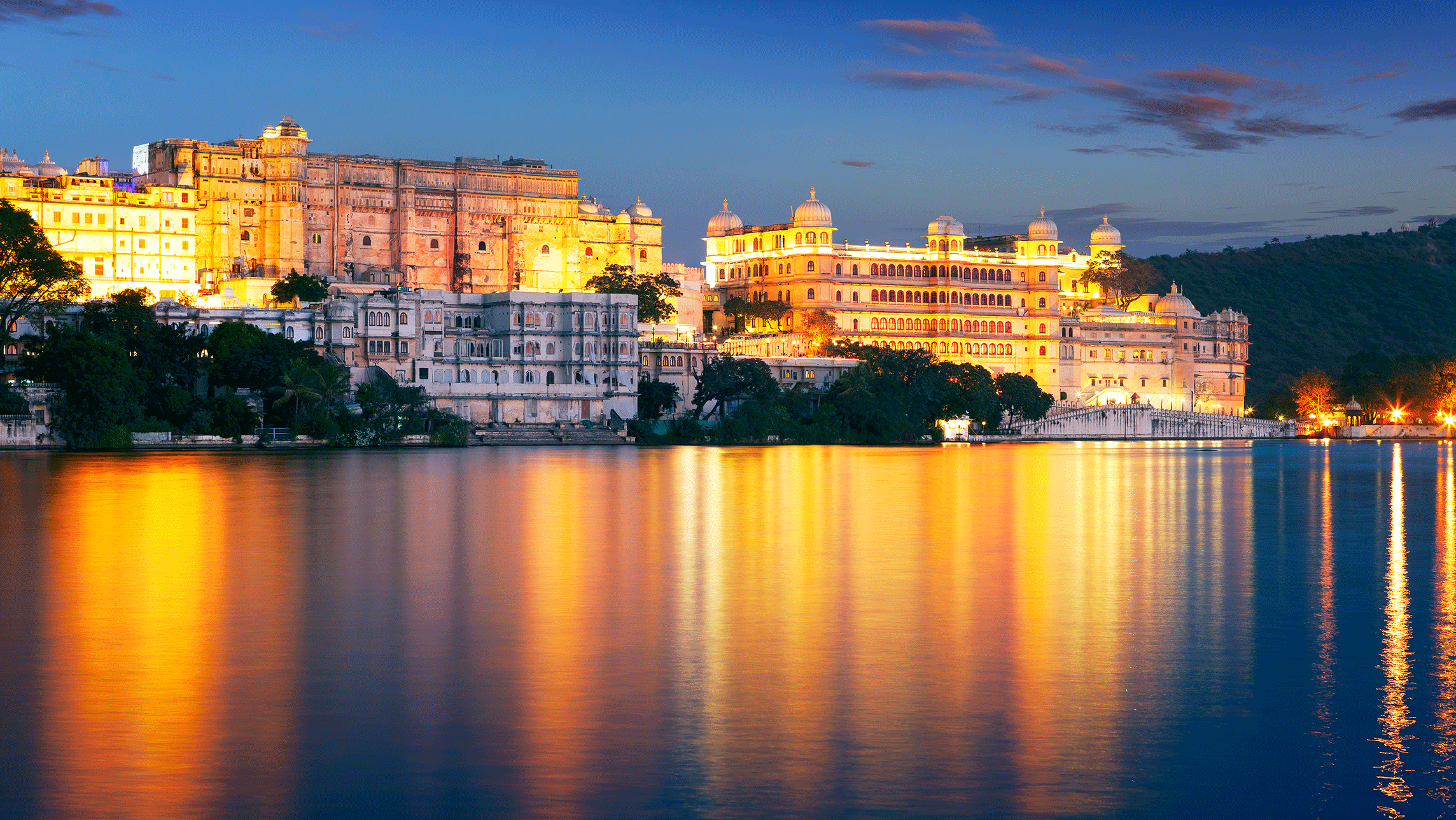 lake pichola activities besides exploring the splendid forts and palaces
