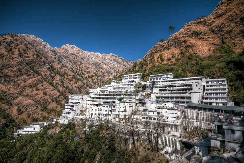 shri mata vaishno devi temple famous hindu temple in india