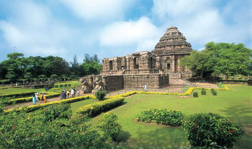 konark sun temple - 5 most mysterious temples of india