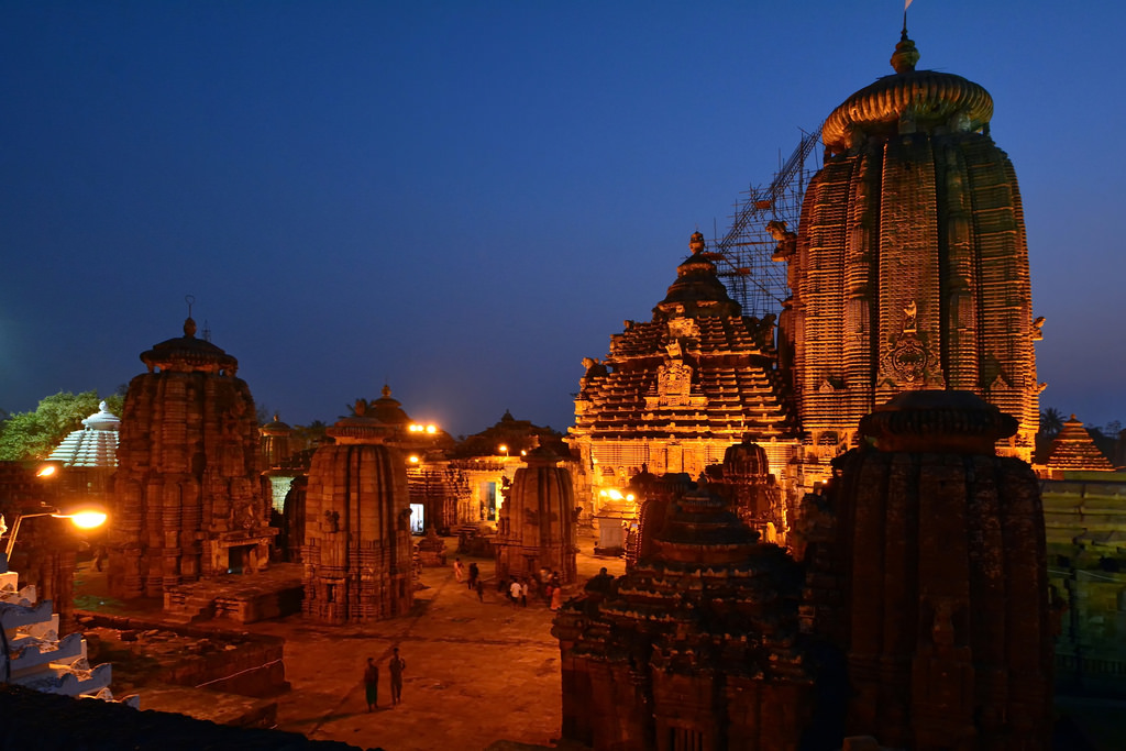 konark sun temple - the 5 most mysterious temples of india