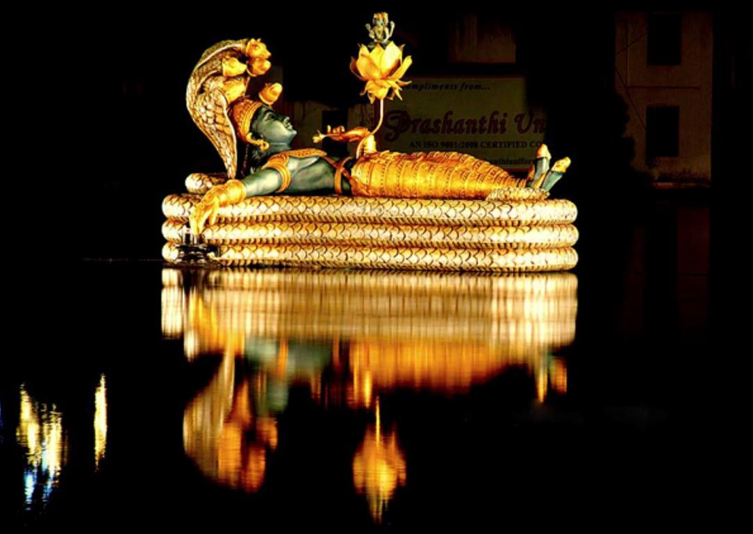 vishnu idol, sree padmanabhaswamy temple kerala india