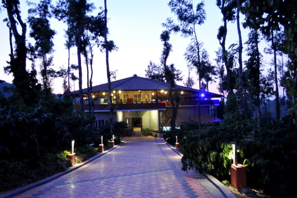 abbydhama estate outside view - hilltop homestays in coorg
