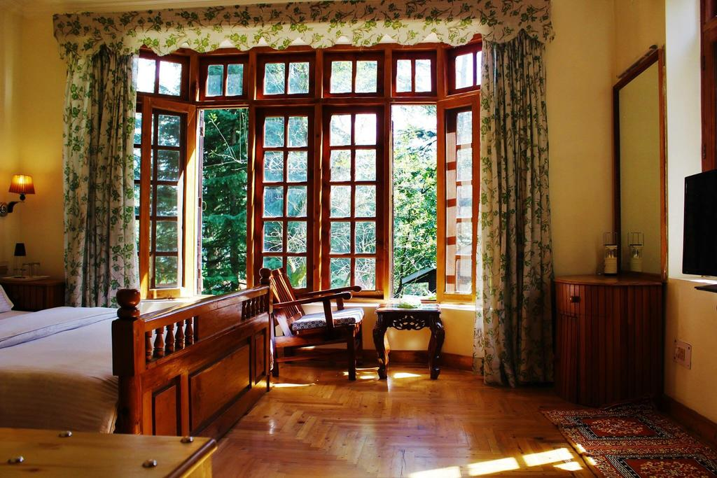 mary cottages interior room - hilltop homestays in manali