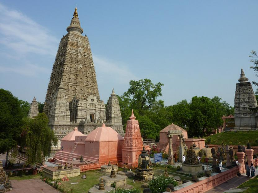 shri mahabodhi mahavihara bodhgaya temple - world heritage sites in india