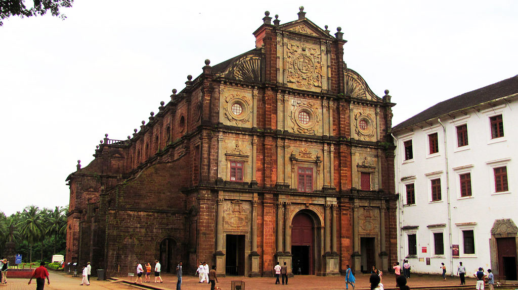 basilica of bom jesus church by travelsite india