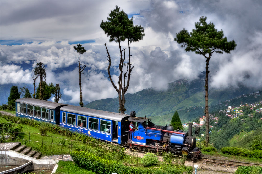 batashiya loop darjeeling - place to visit for summer vacations in india with family