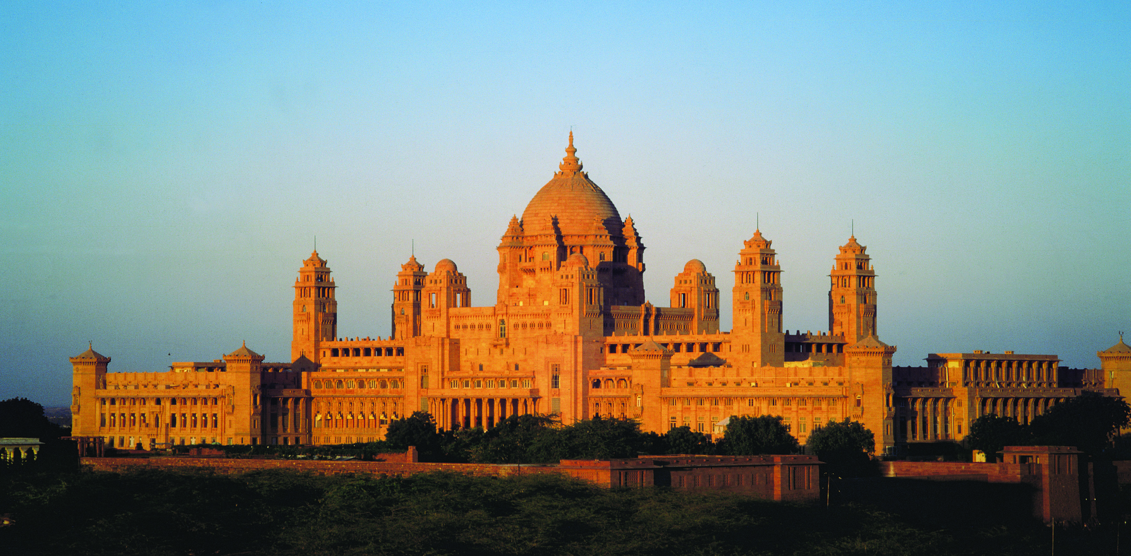 umaid bhawan palace jodhpur - desert cities in rajasthan