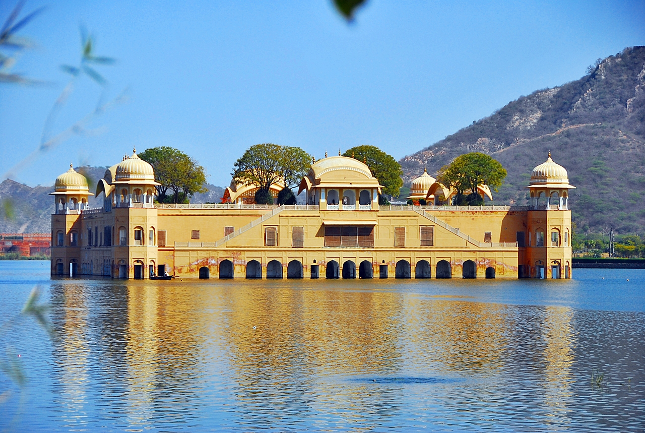 Jal Mahal Sightseen by Travelsite India