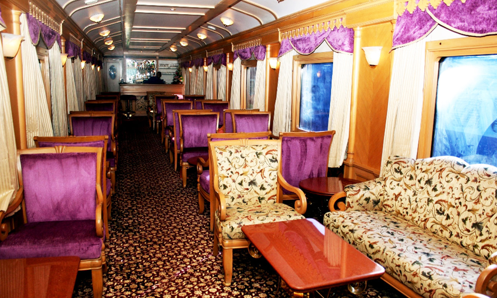 golden chariot train hall