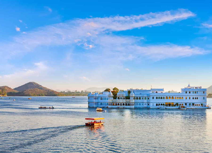 Lake-Pichola-in-Udaipur by Travelsite India