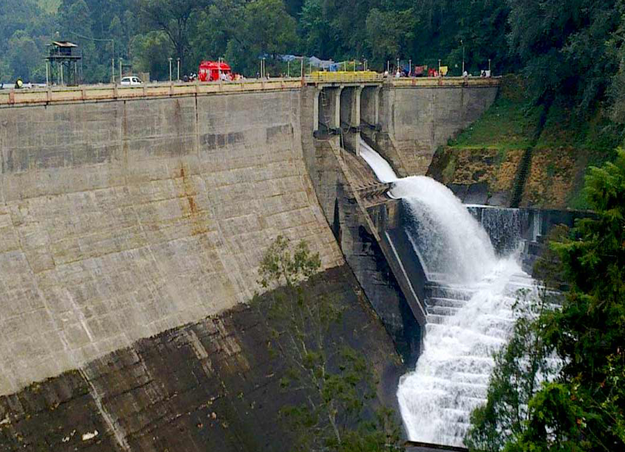 Mattupetty Dam munnar by Travelisite India