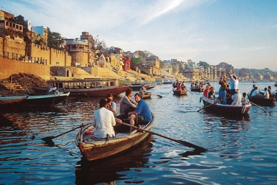 boat ride on river Ganges in varansai by travelsite india
