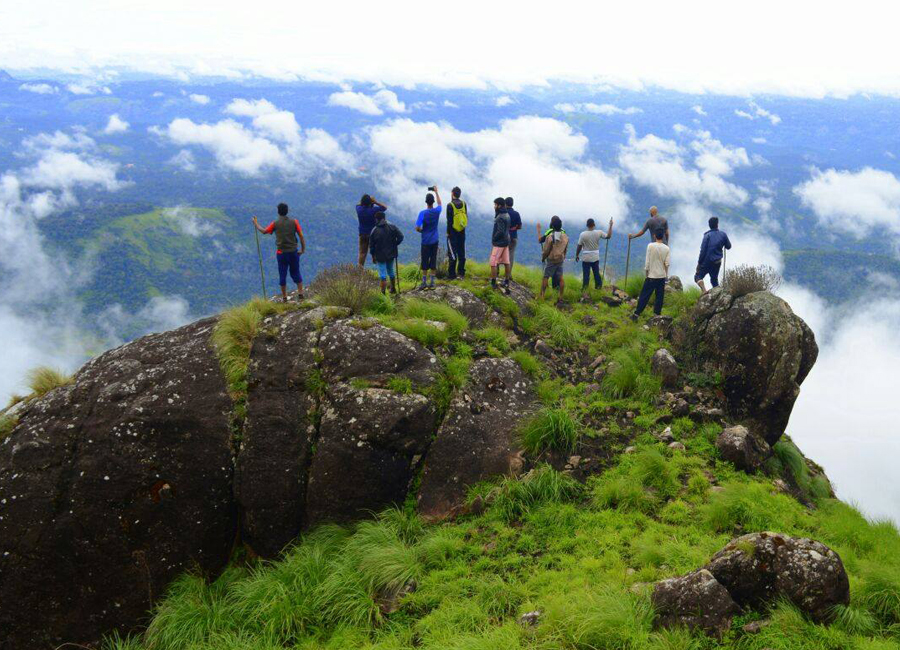chokramudi-peak-munnar by Travelsite India