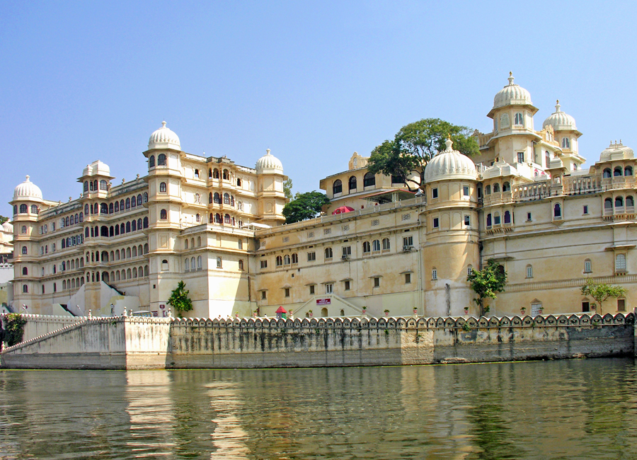 city-palace-udaipur by travelsite india