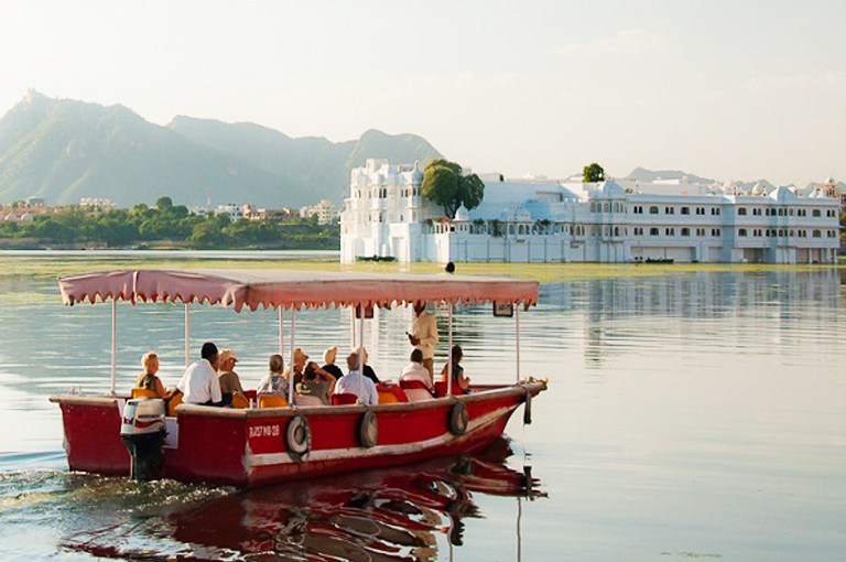 Boat Ride by Travelsite India