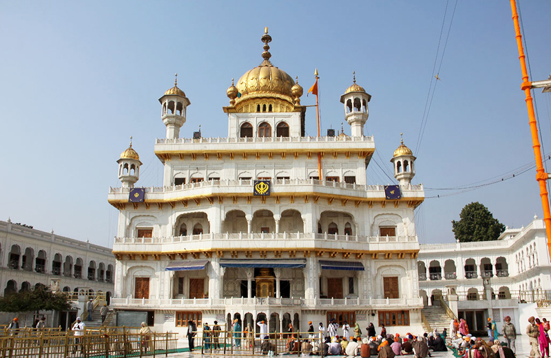 akal-takht-by-travelsiteindia