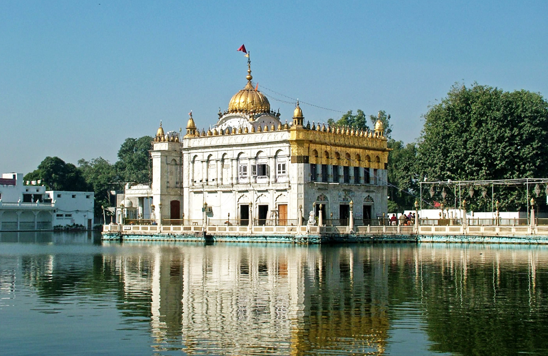 durgiana-temple-in-amritsar-by-travelsiteindia