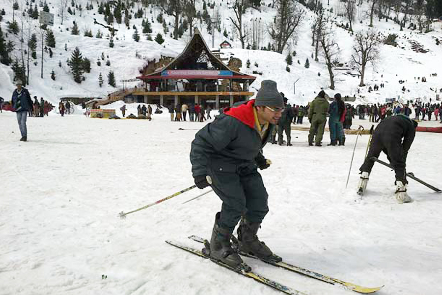 manali in winter by travelsite india