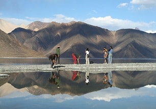 explore ladakh tour