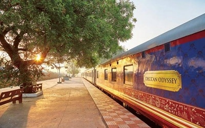 luxury train tour packages